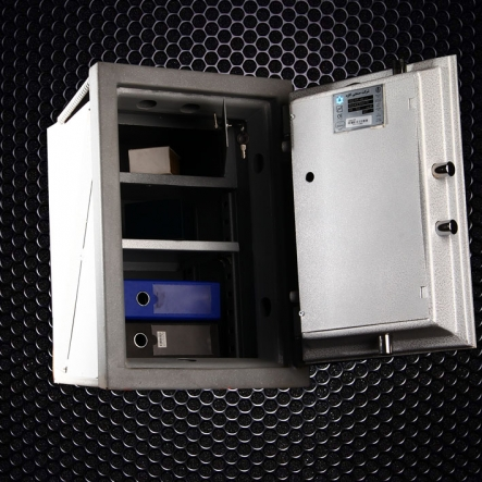 خزانه دیواری ۵۵۰VR